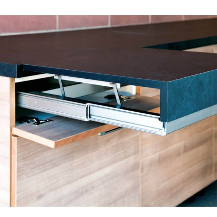 Prolunghe trasformabili atim ripiani estraibili da for Ferramenta per mobili da cucina