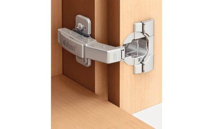 Cerniere Blum 79B9590.MB V50 NI per ante in legno Clip Top ...