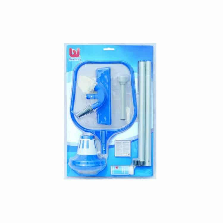 Set accessori per l 39 igiene di piscine bestway for Accessori per piscine