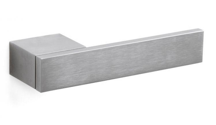 Maniglie di design per porte e finestre tuttoferramenta olivari modello total - Prezzo porta interna ...
