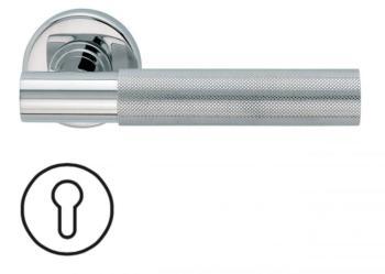 Maniglia per porta Fusital serie K2 H5015 rosetta bocchetta foro Yale normale Inox Lucido