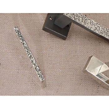 Maniglietta per mobili Artigianale serie Cosmo Giara Art Design 10 mm interasse 120 mm Britannio