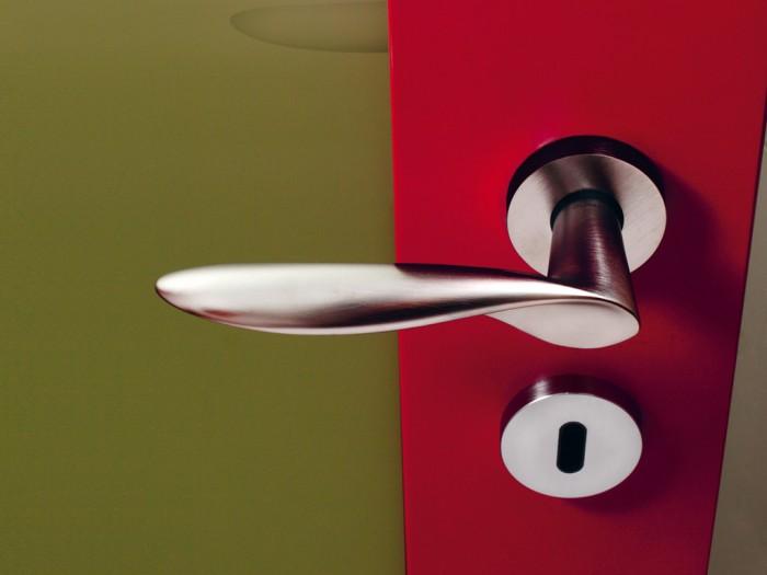 Maniglie di design per porte e finestre tuttoferramenta olivari modello wind - Maniglie per finestre olivari ...
