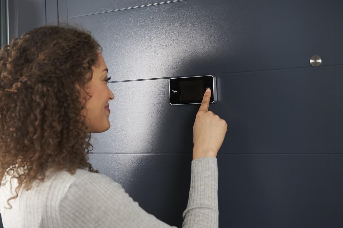 Spioncini elettronici digitali per porte porte blindate e for Spioncino elettronico per porte blindate