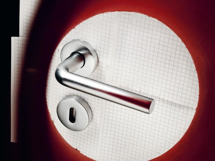 Maniglie porte e finestre olivari serie raffaella - Maniglie per porte e finestre ...