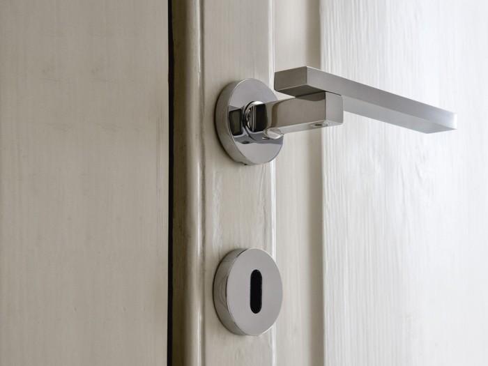Casa moderna roma italy maniglie per porte interne prezzi - Maniglie porte interne ...